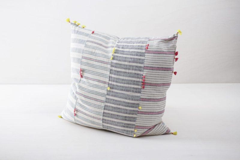 Kissen Ramona 60x60 | Diese farbigen Kissen aus organischer Kala Baumwolle sind schön weich und kuschelig. | gotvintage Rental & Event Design