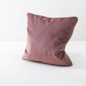 Pillow Sebastian Rose 50x50 | Soft pillows with velvety surface, made of cotton. Several colours and patterns to combine. | gotvintage Rental & Event Design
