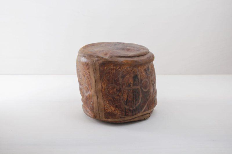 Pouf Juncalito | Ein Schmuckstück aus Lateinamerika. Ein kleiner Pouf leider nur noch zur Dekoration, drinnen oder draußen. | gotvintage Rental & Event Design