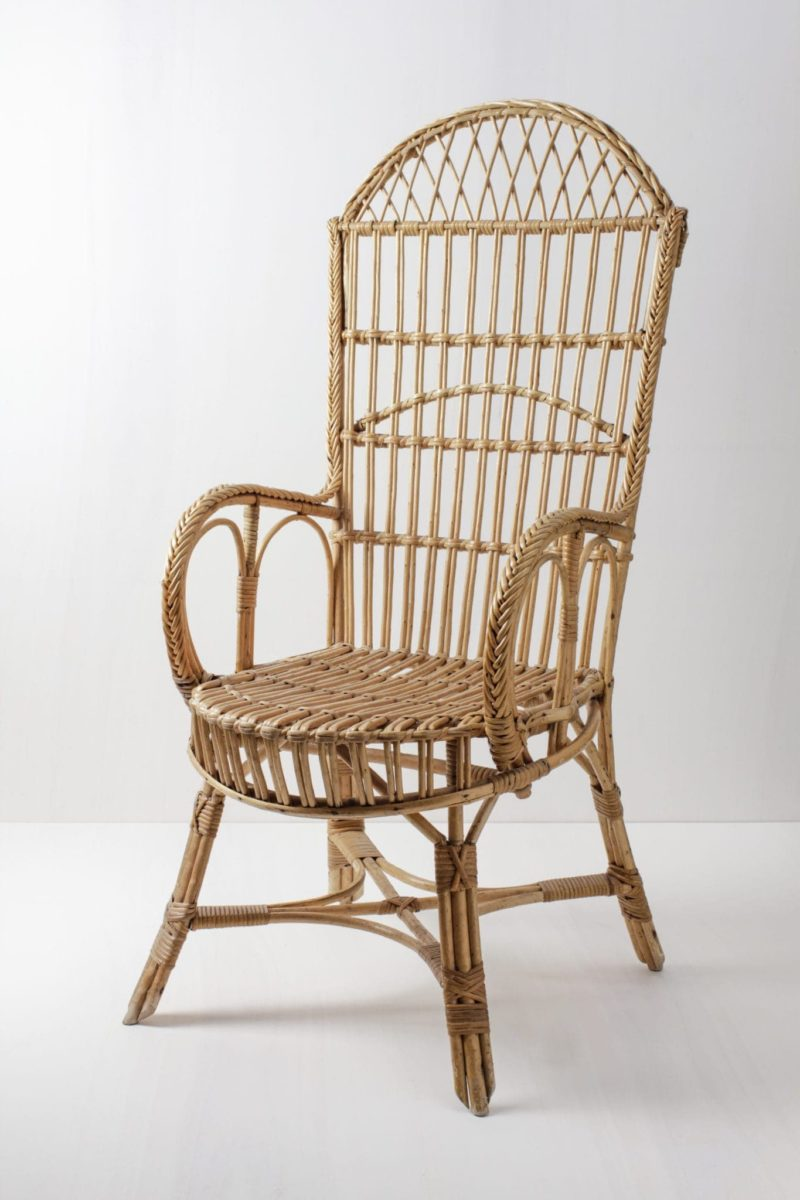 Rent a wicker chair for wedding ceremonies and festive events