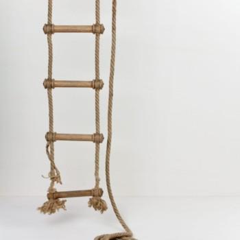 Strickleiter, Blumenranke, Bildplatzierung, Sitzmöglichkeit zu mieten