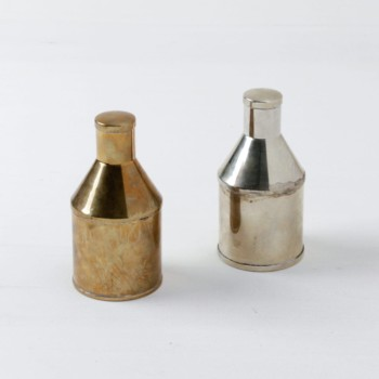 Small Bottles Isabella | Small vintage bottles that make great decorative items or small flower vases. | gotvintage Rental & Event Design