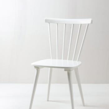 Sprossenstuhl Adriana | Vintage Sprossenstuhl im Tapiovaara Look. | gotvintage Rental & Event Design