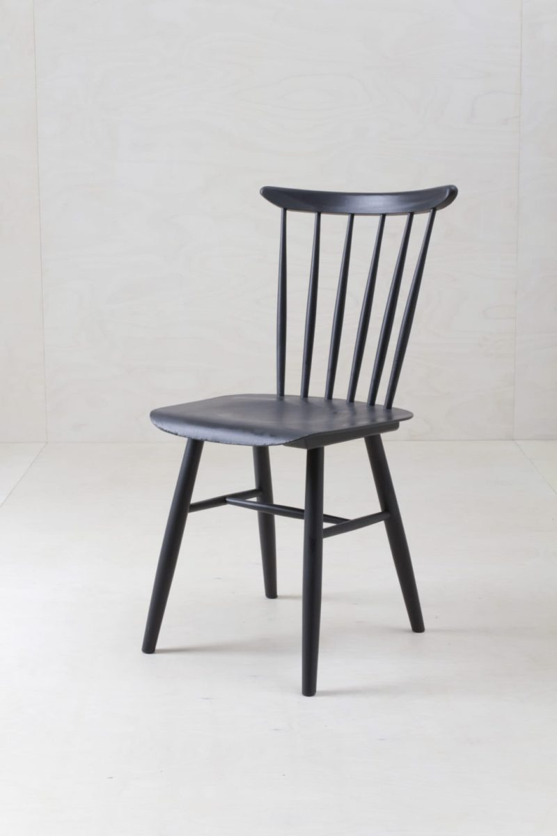 Spindle Chair Roano | Vintage spindle chairs, upcycled with a black matt finish. Decoration or dining? Up to you! | gotvintage Rental & Event Design