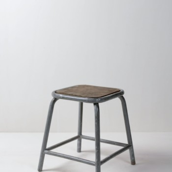 Industrial Metal stool, rental furniture, Berlin, Hamburg, Cologne, Mullca France