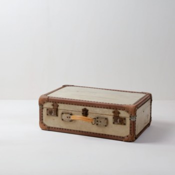 Suitcase Carmela | Vintage suitcase. Perfect for decoration. | gotvintage Rental & Event Design