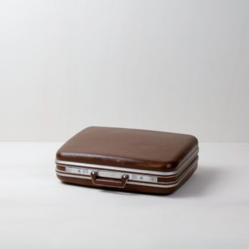 Suitcase Oscar | Vintage suitcase. Perfect for decoration. | gotvintage Rental & Event Design