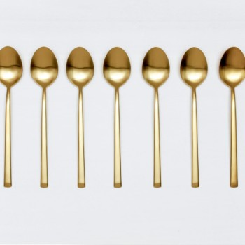 Table Spoon Ines Cutlery Gold Matt | Matte golden PVD-coated stainless steel table spoon in a timeless design and with a nice feel. Can be used for the starter or main course.