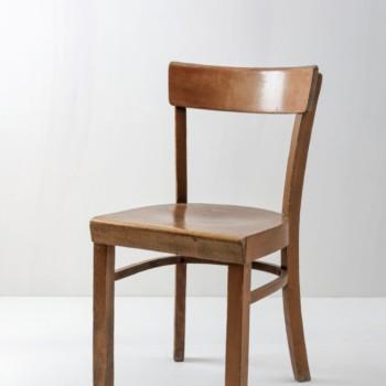 Kneipenstuhl Alex | Bequemer Holzstuhl aus den 1960er Jahren. | gotvintage Rental & Event Design