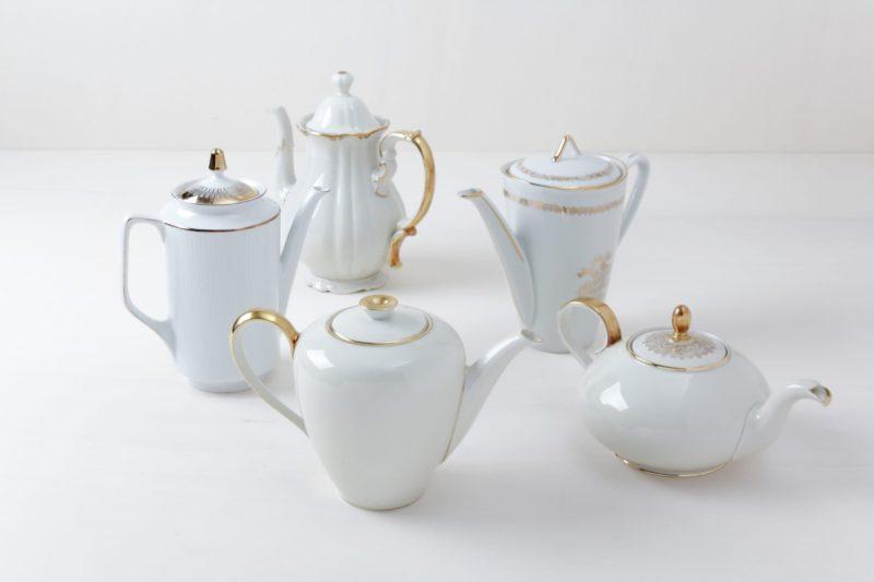 Tee/Kaffeekannen Margarita Gold | Verschiedene Kännchen für Tee oder Kaffee mit goldenen Details. | gotvintage Rental & Event Design