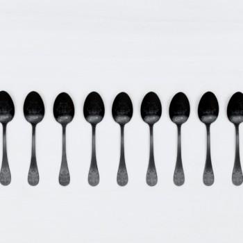 Teelöffel Natalio Schwarz Matt PVD | Feines matt schwarzes Edelstahl Besteck, PVD beschichtet, schöne Haptik. Dazu passend gibt es auch die Tortenheber. | gotvintage Rental & Event Design