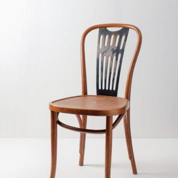 Thonet Stuhl Fernando | Thonet Stuhl mit schönem Muster auf der Sitzfläche. | gotvintage Rental & Event Design