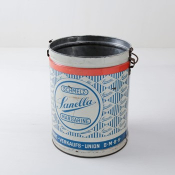 Tin Can Gerardo | Vintage margarine tub made from tin. | gotvintage Rental & Event Design