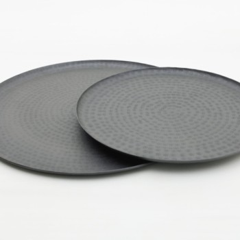 Tray Fabio Black Matt L | Matt black tray. Ideal for serving delicious finger food or as a center piece with flowers and candles.Also available in size M. | gotvintage Rental & Event Design