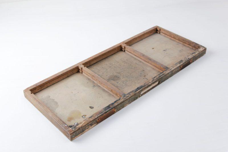 Tablett Martiniano | Hölzernes Tablett mit drei Unterteilungen. Vintage mit schöner Patina. | gotvintage Rental & Event Design