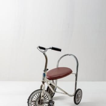 Dekoratives vintage Dreirad, Kinderspielzeug, mieten