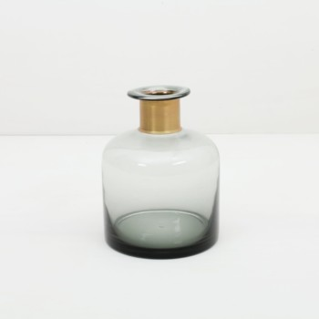 Rental of vases, tealight holders and table decoration