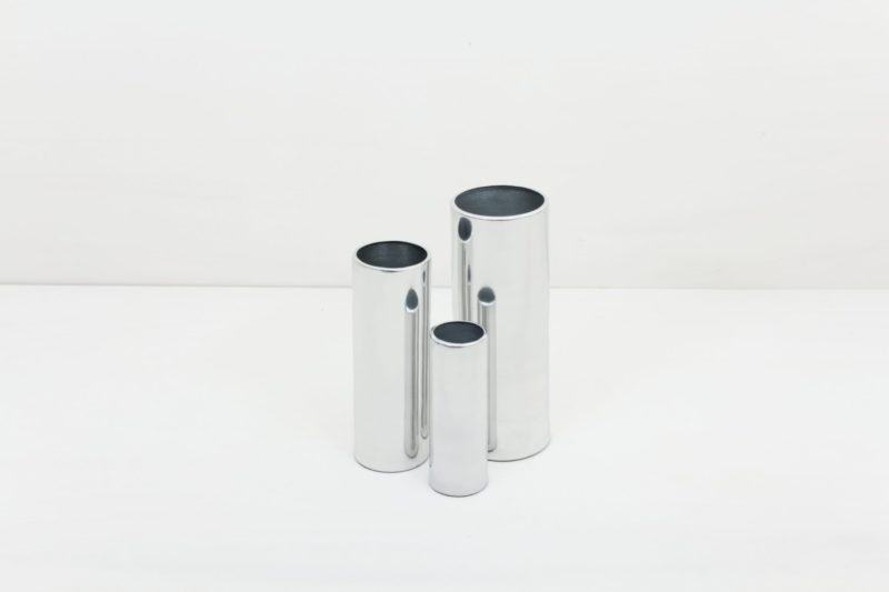 Vase Elisa Silver M | Silver vase size M. Ideal to combine with our other vases from the same series in several colours and sizes, for a nice modern touch. | gotvintage Rental & Event Design