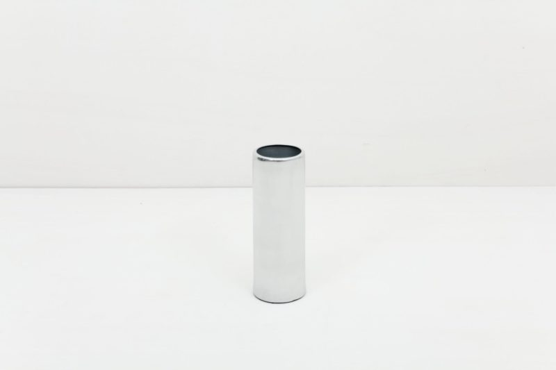 Vase Elisa Silver S | Silver vase size S. Ideal to combine with our other vases from the same series in several colours and sizes, for a nice modern touch. | gotvintage Rental & Event Design