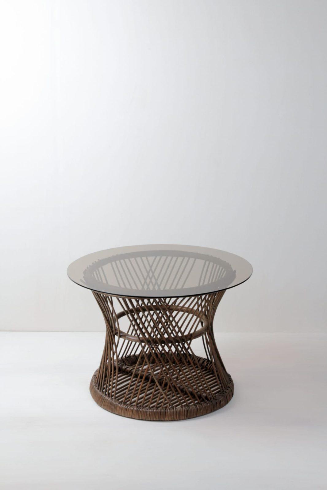 Korb Beistelltisch Nestor | Kleiner vintage Korbtisch mit einer Tischplatte aus Glas. | gotvintage Rental & Event Design