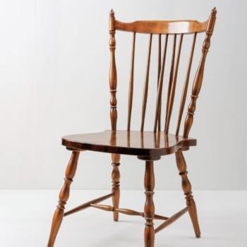 Windsor Stuhl Samuel | Englischer Sprossenstuhl aus Holz, typisches Windsor Design. | gotvintage Rental & Event Design