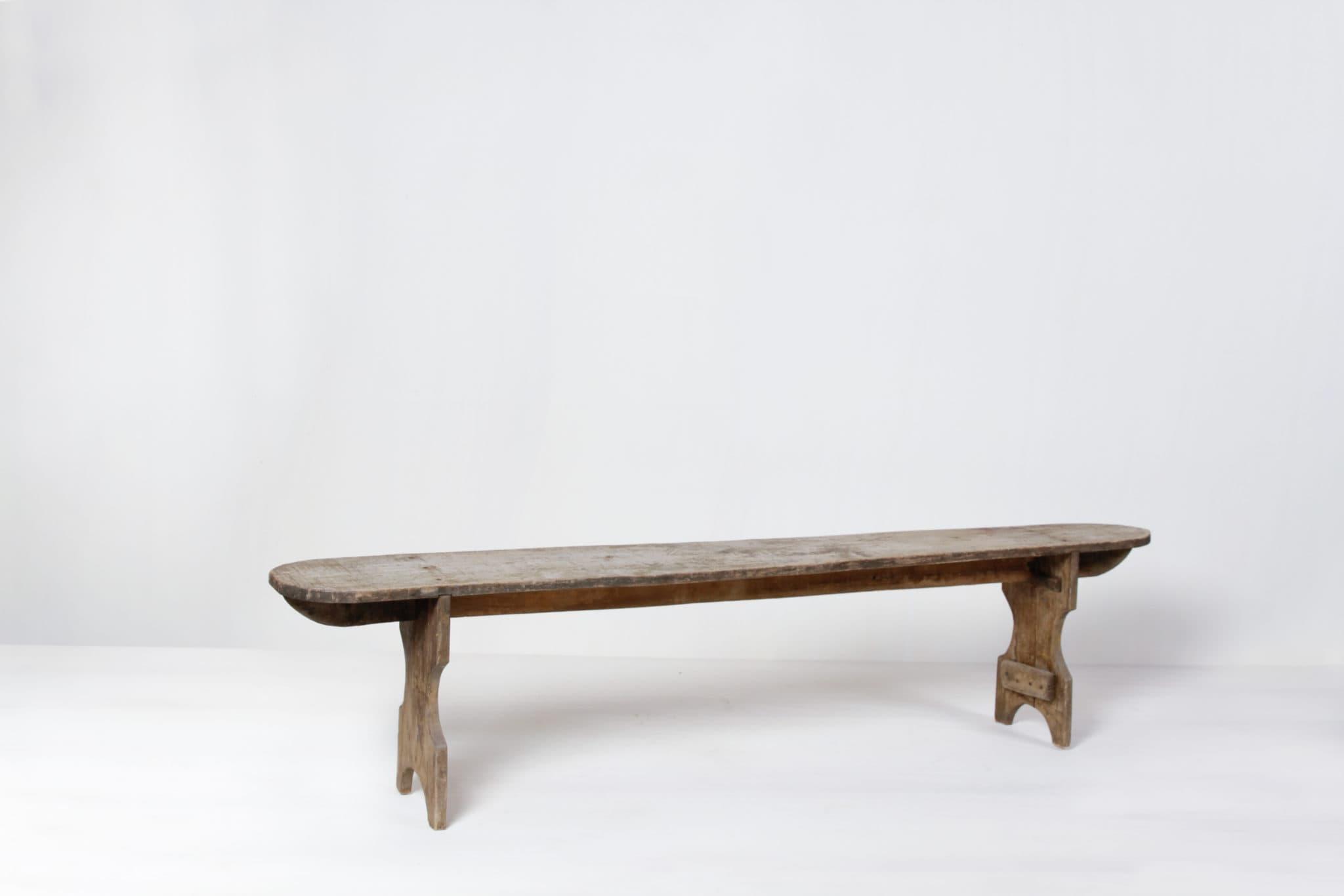 Sitzbänke aus Holz mieten