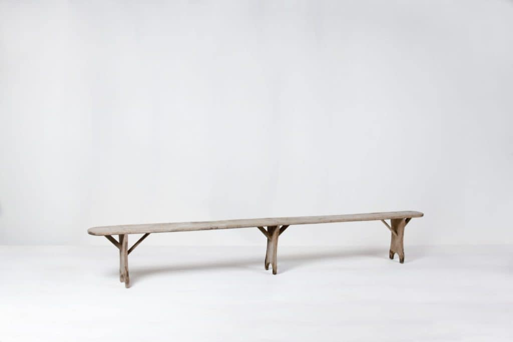 Wooden Bench Jeronimo | Wooden bench for sitting.Well suited to create homely feeling at garden parties. | gotvintage Rental & Event Design