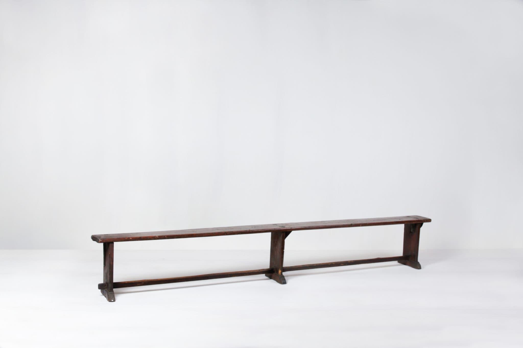Vermietung von Holzmöbeln und Traubänken