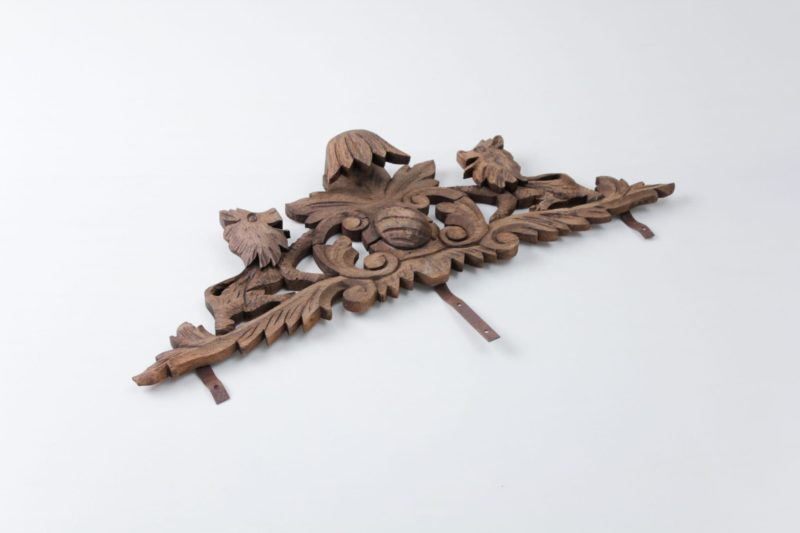 Wooden headpiece, decoration, shooting accessories