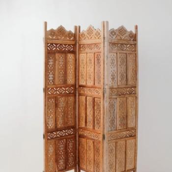 Paravent Benedicto | Schöner Raumtrenner aus Holz mit aufwändigen Ornamenten. Schafft eine gute Raumplastik. | gotvintage Rental & Event Design