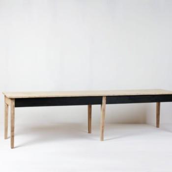 Holztisch Leon | Große Tafel aus Holz. Bietet viel Platz für ein schönes Dinner. | gotvintage Rental & Event Design