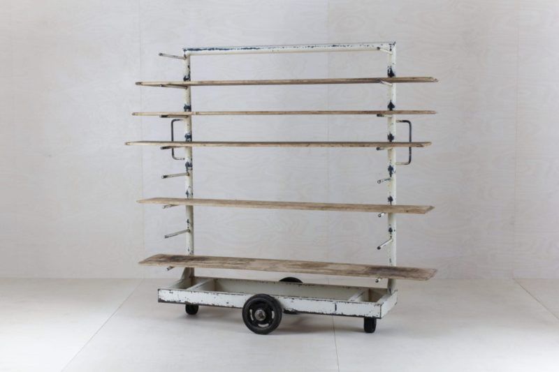 Bakery Rack Linda | As an original backdrop on stage, in the lounge area or at the bar. The beautiful vintage baker's rack is rather versatile. | gotvintage Rental & Event Design