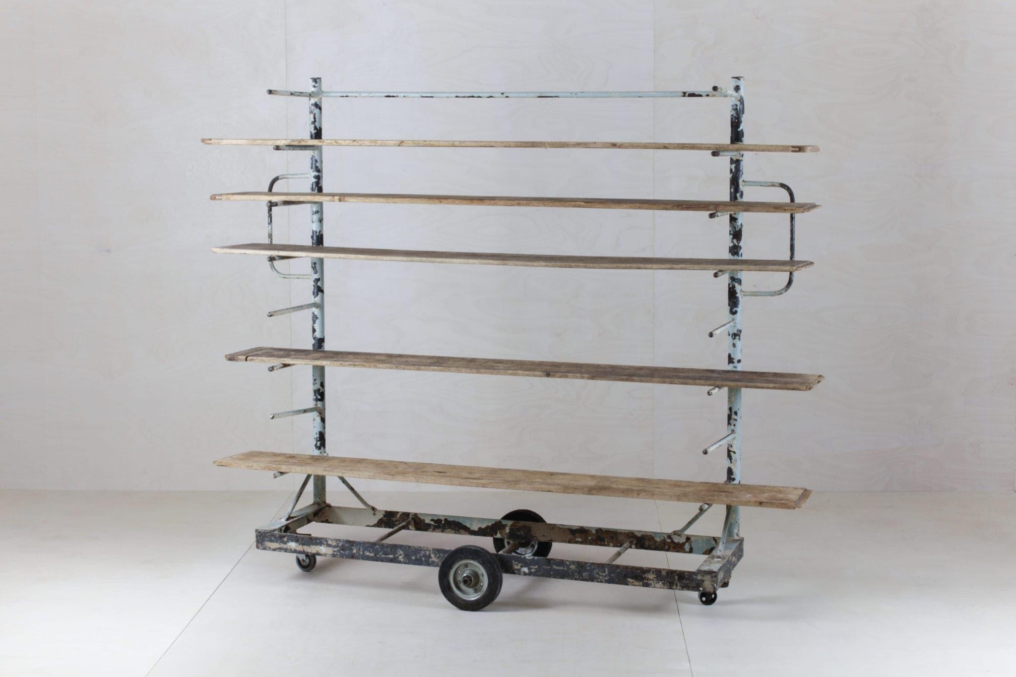 Vintage Bäckerwagen mieten, Produktpäsentation Regal mieten