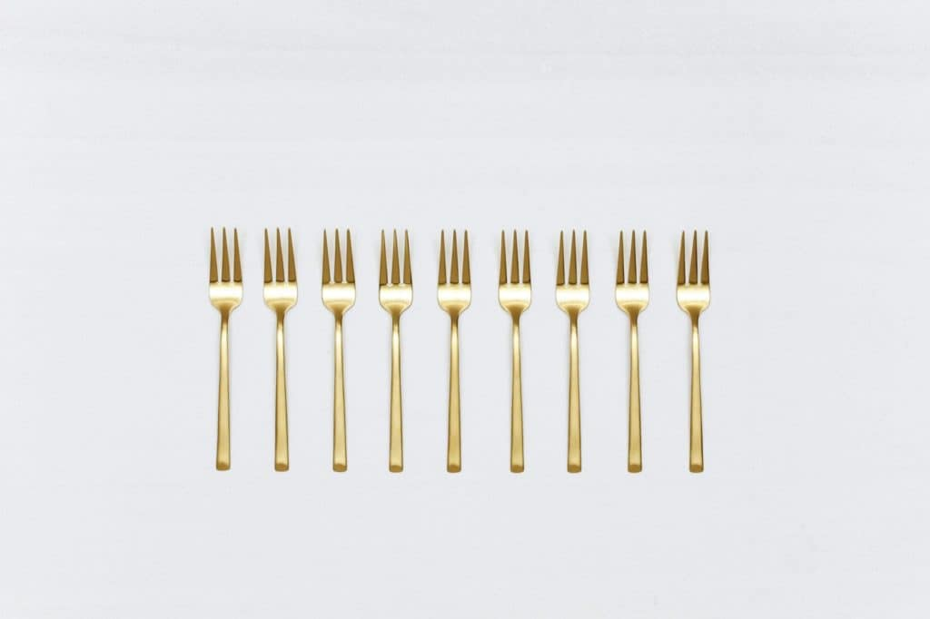 Cake Fork Ines Cutlery Gold Matt | Matte golden PVD-coated stainless steel dessert fork in a timeless design and with a nice feel. 