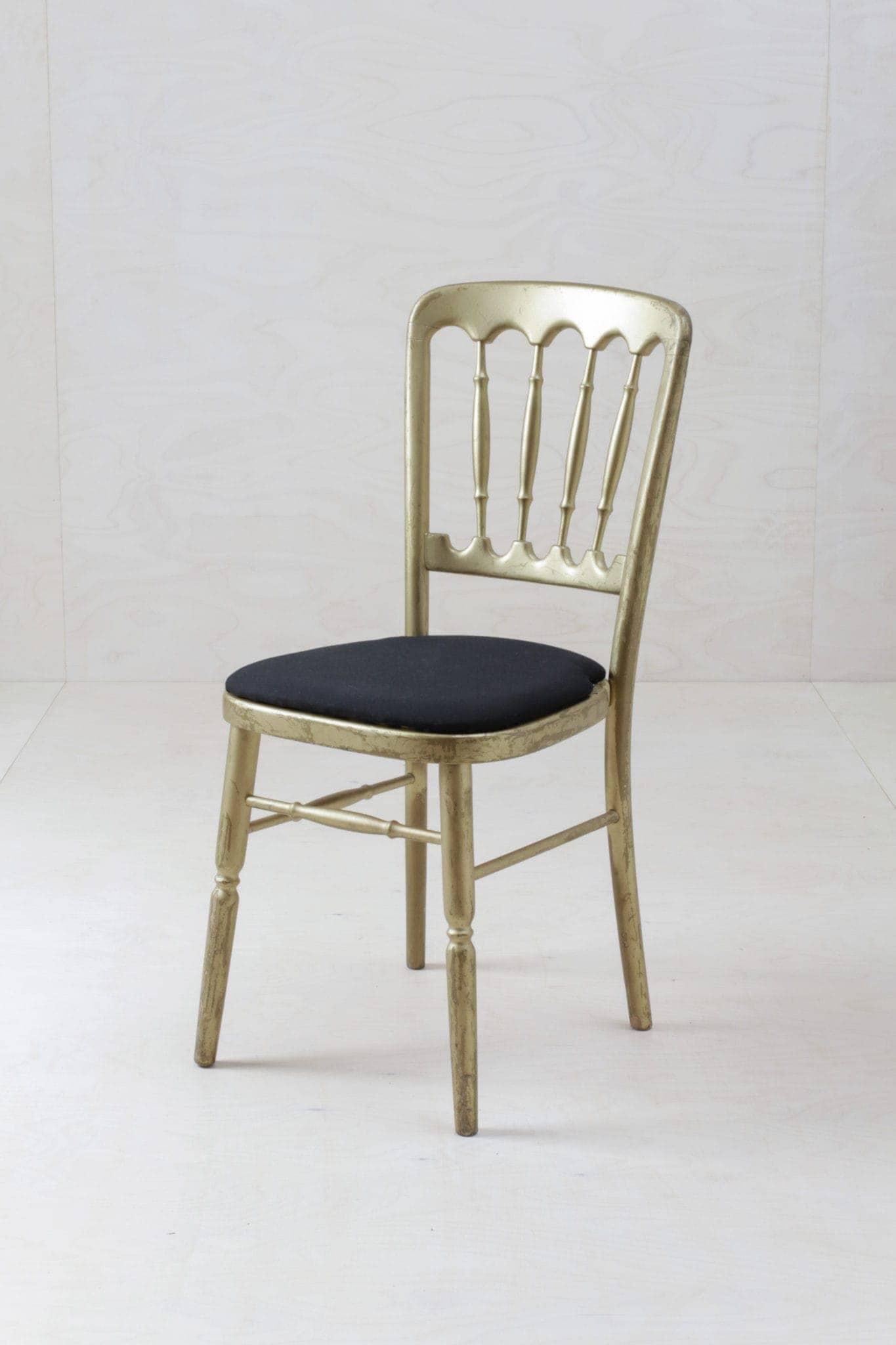 Eventmobiliar mieten, Tische, Stühle, Sofas, Co.