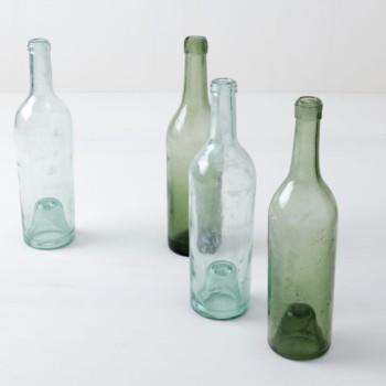 Glasflaschen Candela Mismatching | Vintage Glasflaschen in zwei verschiedenen Farben. | gotvintage Rental & Event Design