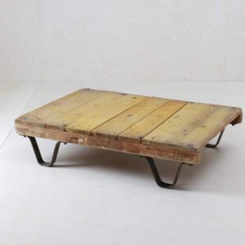 Vintage furniture rent