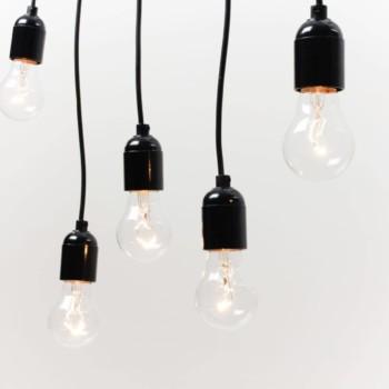 Lampenpendel Delmar | Unsere Pendellampen, einzeln oder als großer Glühbirnen-Strauß. Zaubern wunderschönes Licht. | gotvintage Rental & Event Design