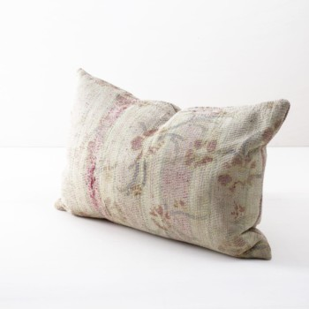 Pillow Addula 40x60 | Different vintage cotton fabrics brought into new shape making this single piece an ideal element to give your decoration another touch. | gotvintage Rental & Event Design