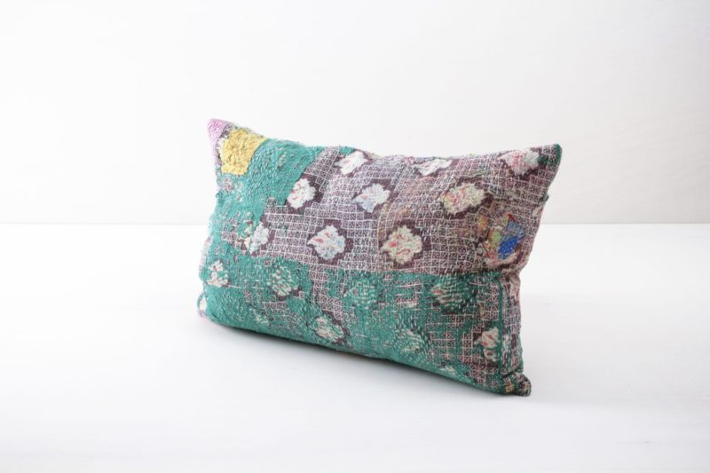 Rental, colourful vintage pillows