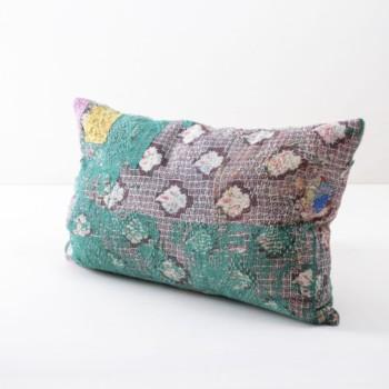Kissen Adelinda 40x60 | Vintage Baumwollstoffe in neue Form gebracht sind diese Einzelstücke zum Dekorieren bei einem Picknick oder der Boho Hochzeit. | gotvintage Rental & Event Design