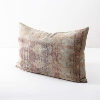 Pillow Gloria 40x60 | Different vintage cotton fabrics brought into new shape making this single piece an ideal element to give your decoration another touch. | gotvintage Rental & Event Design
