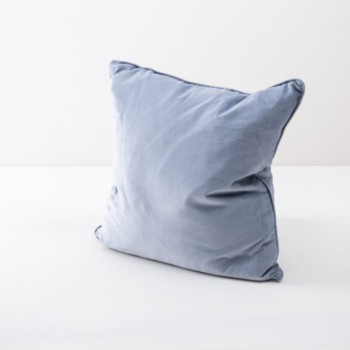 Pillow Marina Velvet Light Blue 50x50 | Soft velvet pillows made from cotton. Several colours to combine such as velvet pillows in blush, dark green and pink. | gotvintage Rental & Event Design