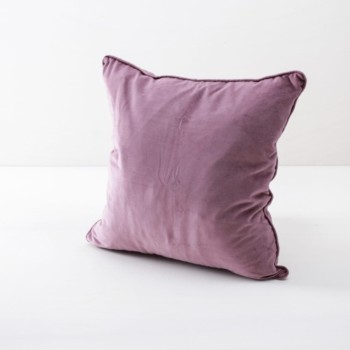 Pillow Marina Velvet Plum 50x50 | Soft velvet pillows made from cotton. Several colours to combine such as velvet pillows in blush, blue and dark green. | gotvintage Rental & Event Design