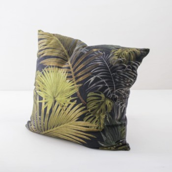 Pillow Rodolfo 60x60 | Soft pillows with slightly shiny surface made of cotton. Palmtree leafs in shades of copper, gold and green. | gotvintage Rental & Event Design