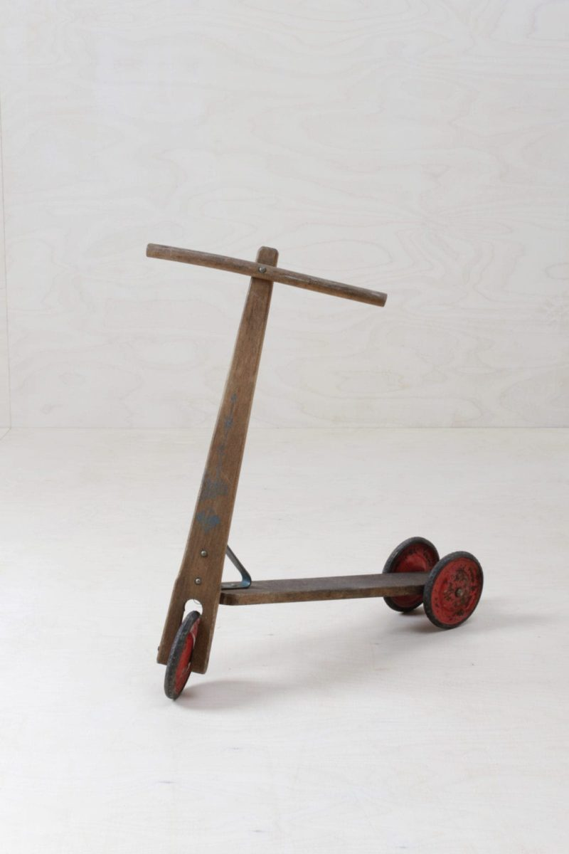 Scooter Josep | Classic vintage wooden scooter. | gotvintage Rental & Event Design