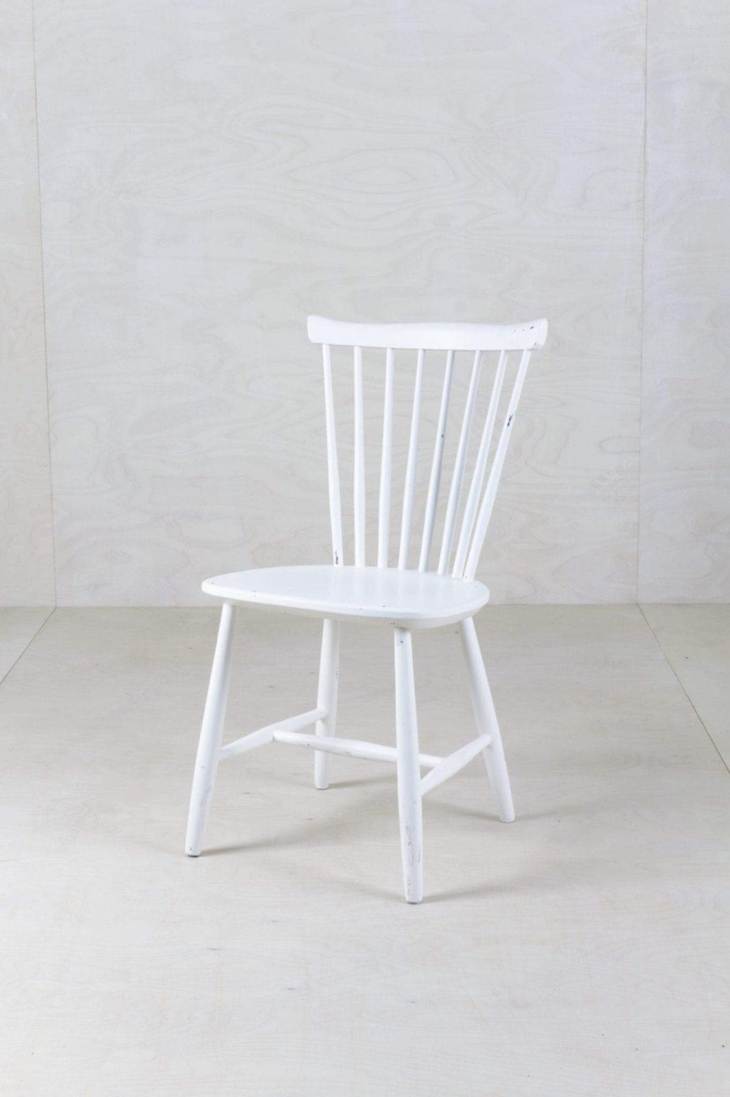 Sprossenstuhl Vega | Diese vintage Sprossenstühle haben wir mit edlem Weißmatt-Lack umgestaltet und Ihnen so ein neues Leben eingehaucht. | gotvintage Rental & Event Design
