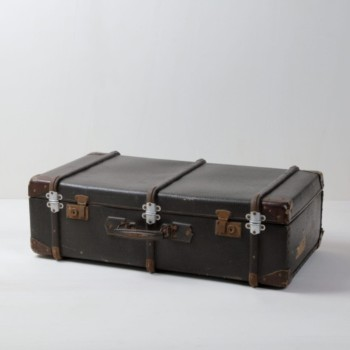 Suitcase Mauricio | Vintage suitcase. Perfect for decoration. | gotvintage Rental & Event Design