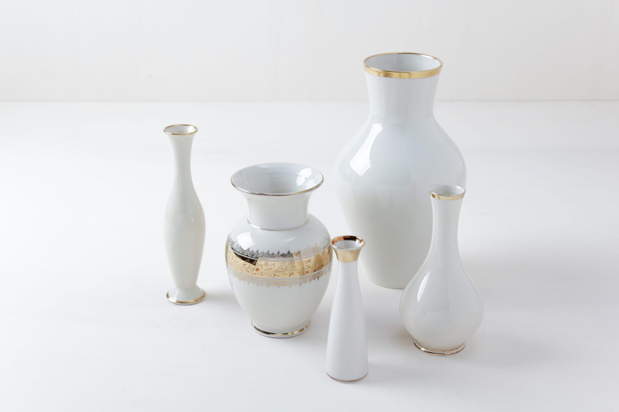 Vases Camila Gold Mismatching | Mismatching vases with golden details. | gotvintage Rental & Event Design
