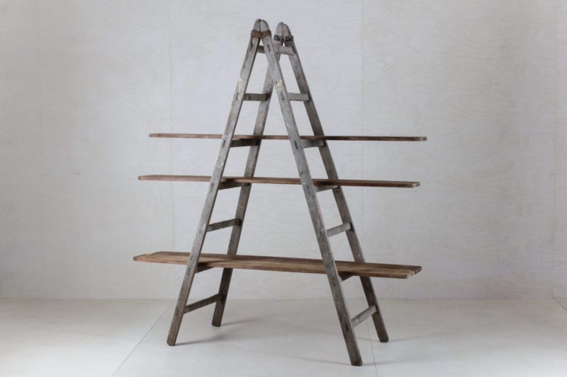 Wooden Ladder Cuartio | Combined with our wooden boards Zacarias from a ceramic factory, these old ladders can be used as a shelf for decoration, for cakes or simply as a partition. Versatile and beautiful. Please order boards separately. | gotvintage Rental & Event Design